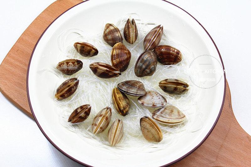 蒜蓉粉丝蒸花蛤