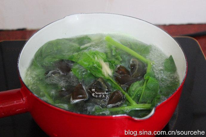 木耳菜皮蛋汤