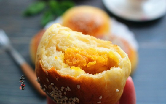 蛋黄馅小餐包