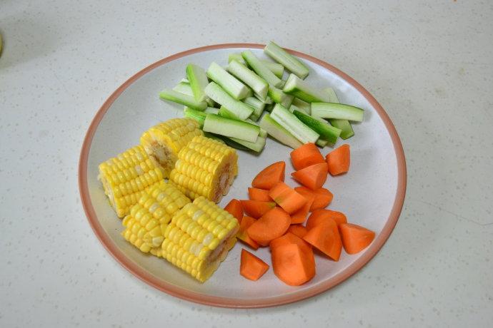 丝瓜玉米蔬菜汤