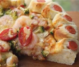 颜值高超美味的花边虾仁培根披萨
