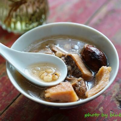 榴蓮殼薏米豬骨湯——健脾祛濕、清熱解毒