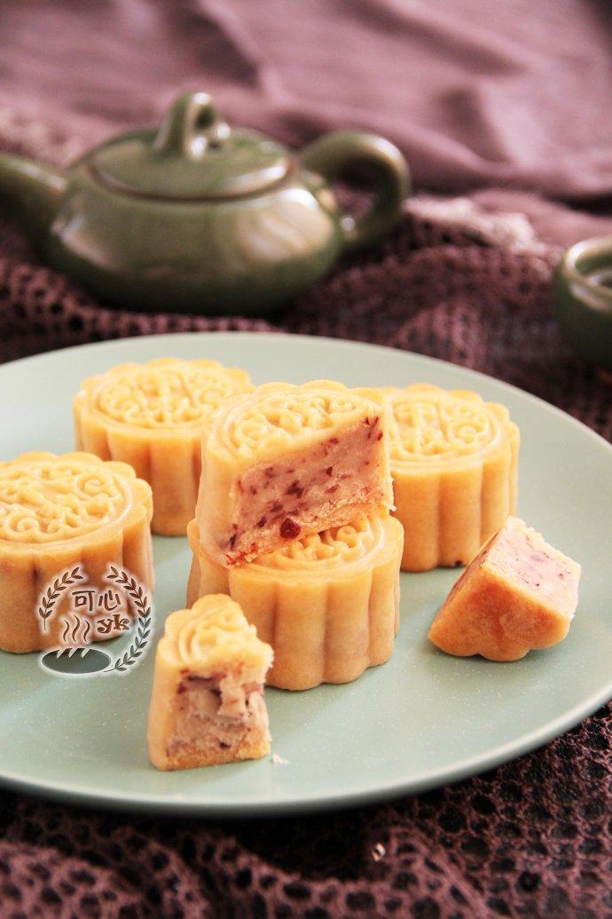 清新冰滑的大麦若叶清汁冰皮月饼