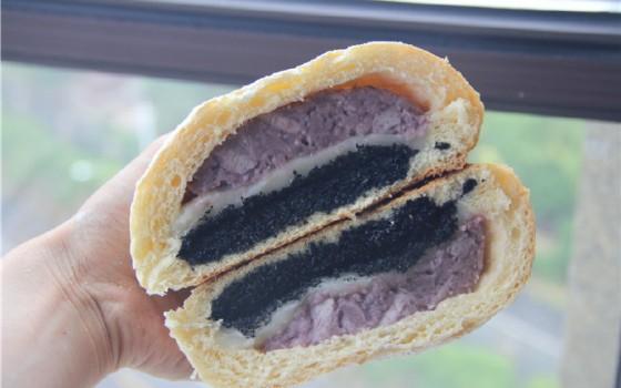皮薄馅大的黑芝麻麻薯欧包
