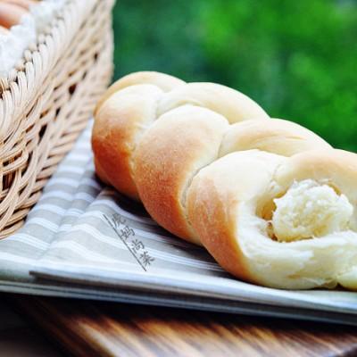 吃不腻的牛奶辫子面包