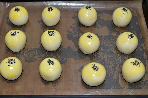 蛋黄酥---手把手教你做传统的中式酥点