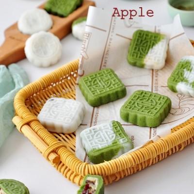 做起来超省事的绿豆沙蔓越莓冰皮月饼