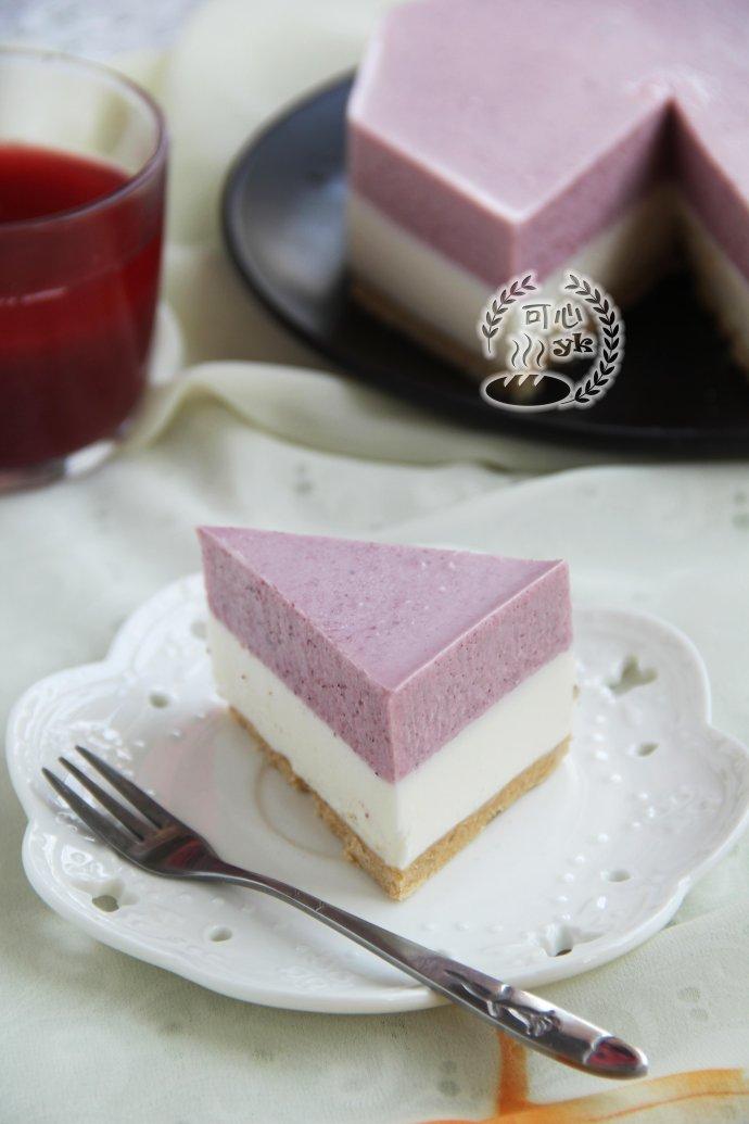 喜慶美味的紅曲心形蛋糕