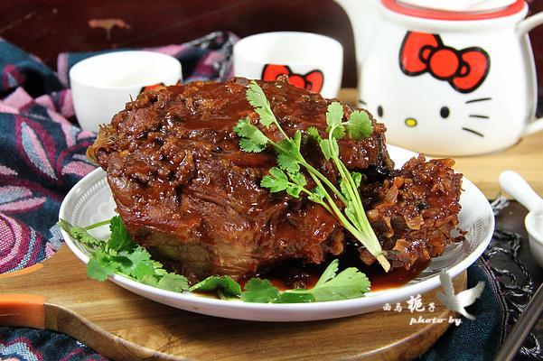 老妈烧的羊腿太好吃了,不腥也不膻,大口吃肉就是过瘾