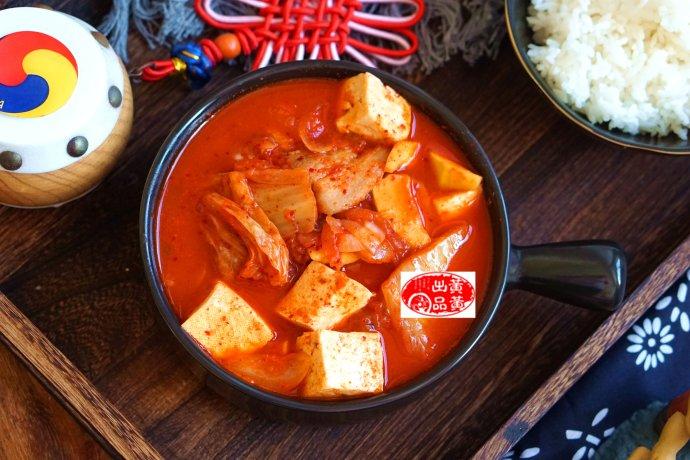 这道泡菜豆腐汤,成了中秋家宴最受欢迎的菜