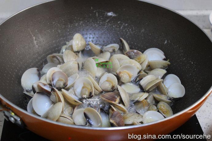 煮这种海鲜只需加勺它,腥味全无,儿子连吃30个,实在太鲜了!