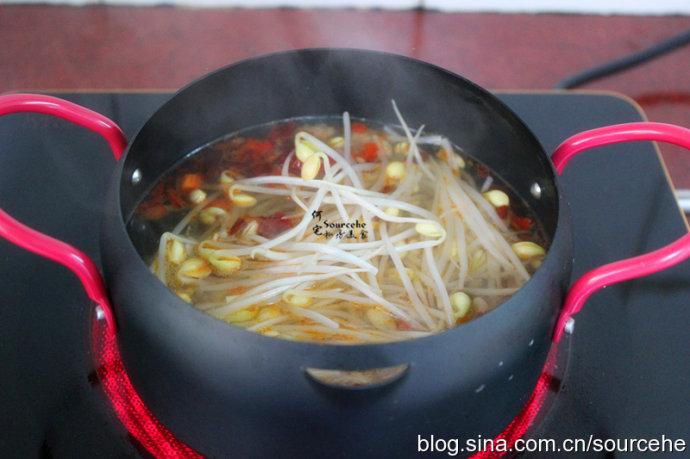 水煮魚加點它,魚肉鮮美無腥味,油而不膩,麻辣適中,很好吃!