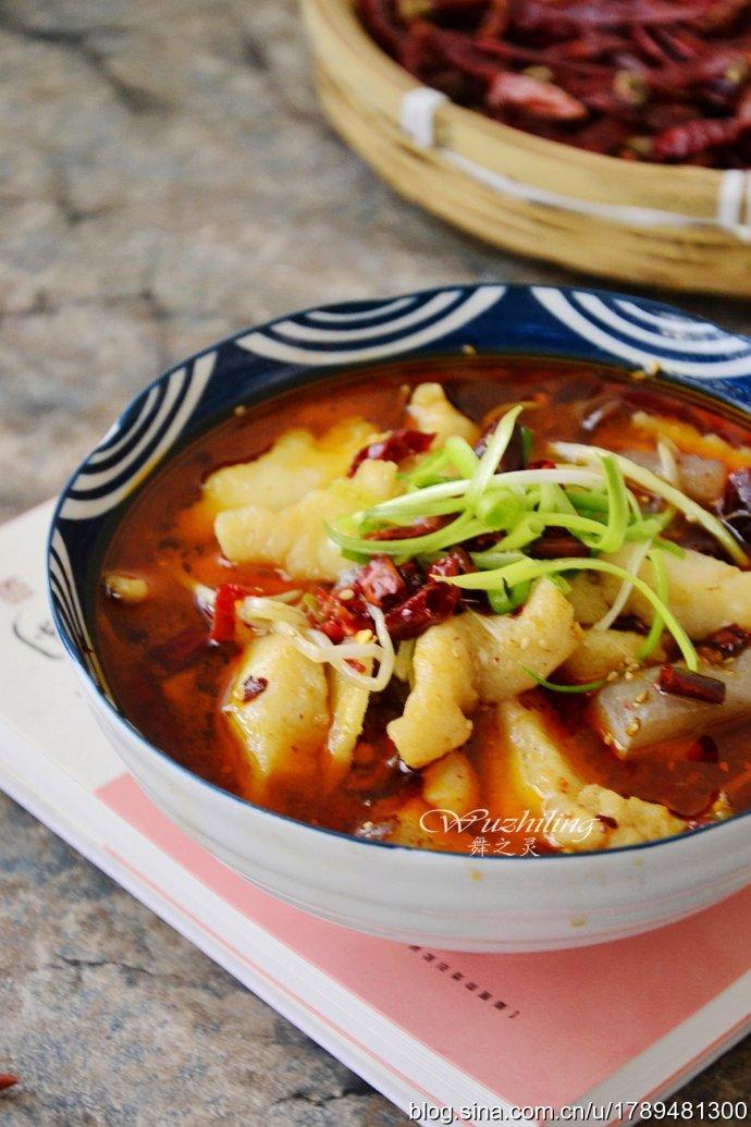 【水煮龙利鱼】天冷就爱这样吃,老公最馋的菜