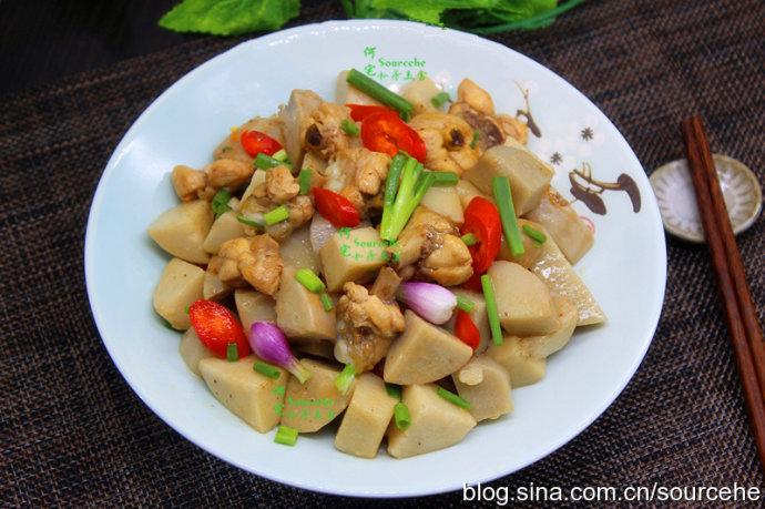 《中餐厅2》王俊凯这样做的芋儿鸡,辣而不燥,软糯回甜,很好吃
