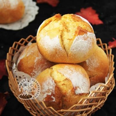 秋日暖阳的味道---南瓜葡萄干小圆包