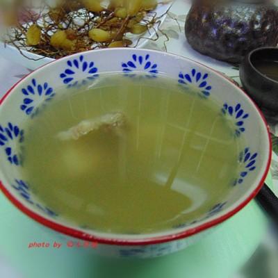 祛秋燥,潤肺養生保健湯:【石橄欖煲排骨】