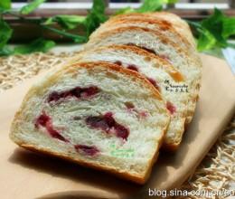 这配方做的面包,鲜甜适中,松软可口,做法简单,一学即会!