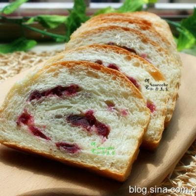 这配方做的面包,鲜甜?#25163;校?#26494;软可口,做法简单,一学即会!