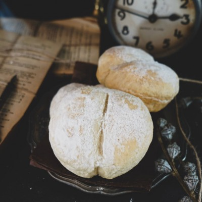 那些年我们追过的动画片里的美食-阿尔卑斯山少女的白面包