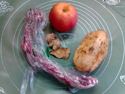 莲藕苹果排骨汤