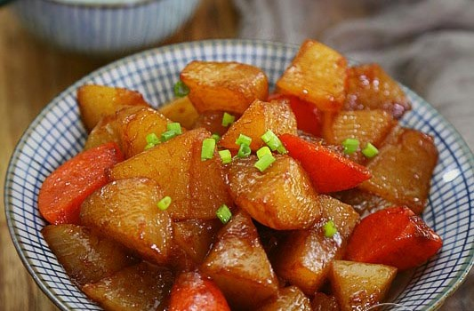 比肉还香的一道素菜,炖一锅不到5块钱,秋冬季节吃最好
