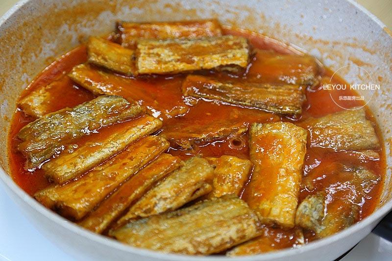 小时候最馋的味道,现在隔几天做一次,吃完鱼用汤拌米饭更香