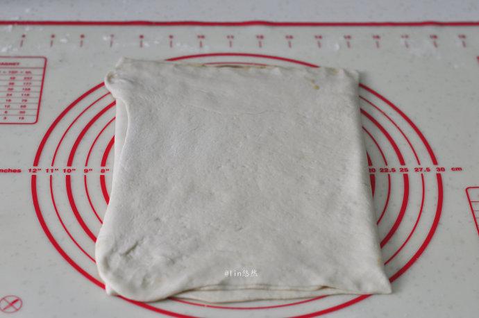 层层酥、一咬就掉渣的【青椒千层饼】