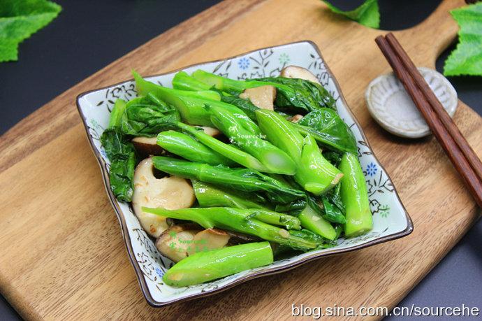 这菜冬天吃比肉营养高,脆嫩爽口,爽而不硬,脆而不韧,很好吃!