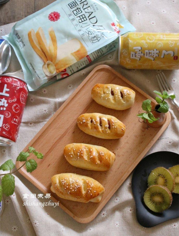 在家做烘焙,这款面包要收好,简单卷一卷,层次分明,香软可口!