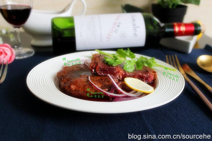 教你5分钟煎出完美的红酒牛排,肉嫩多汁有弹性,咀嚼感很好