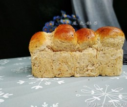 自家做,多谷杂粮面包,并非难事三步能搞定,孩子一次能吃半个
