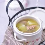 与众不同的暖身咸骨萝卜汤