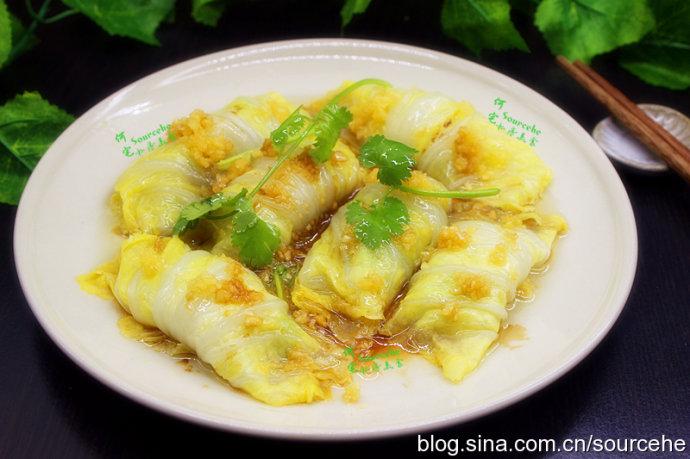 大白菜别只会做泡菜,用它一卷一蒸,脆嫩清香,方便快捷