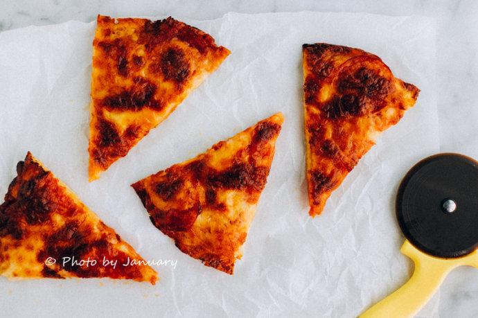 【萨拉米薄底披萨】一块接着一块,薄底披萨如此好吃