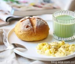 【早餐°】2018-11-29:南瓜核桃软欧/美式炒蛋/抹茶豆浆