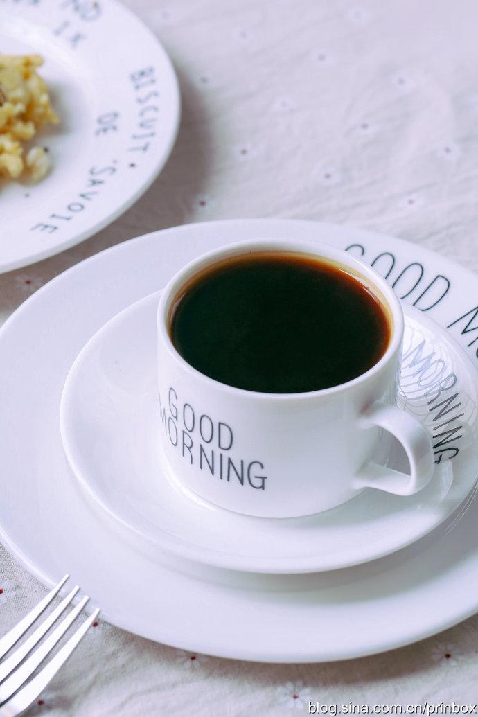 【早餐°】2018-11-30:蔓越莓红糖马芬/香蕉炒蛋/咖啡