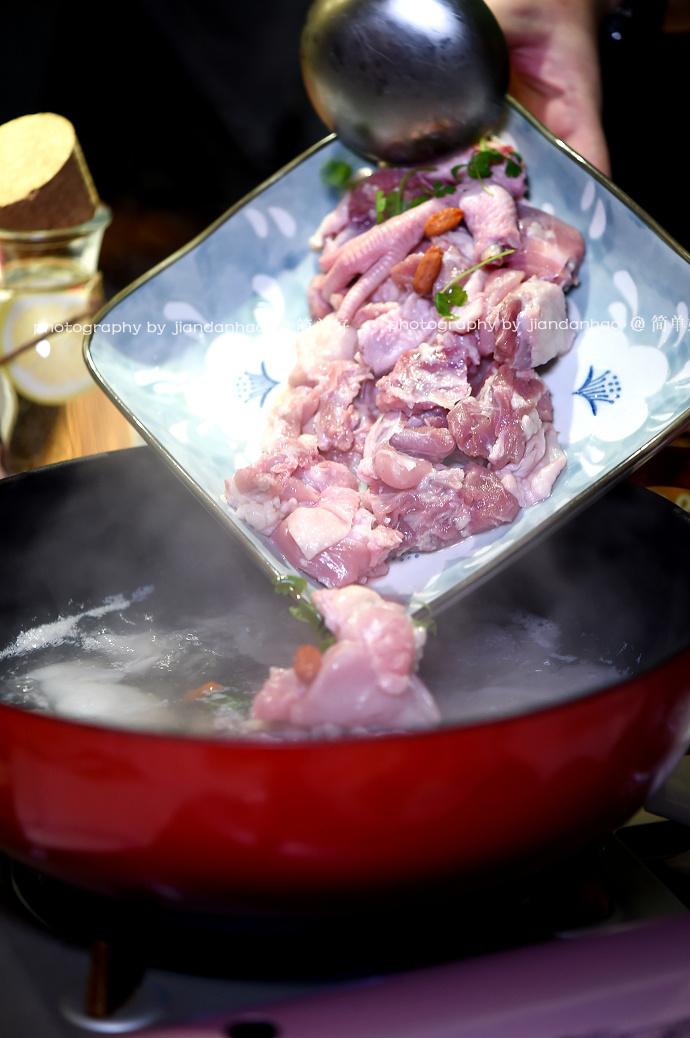 搜食沈阳:冬天吃养生火锅温暖又滋润