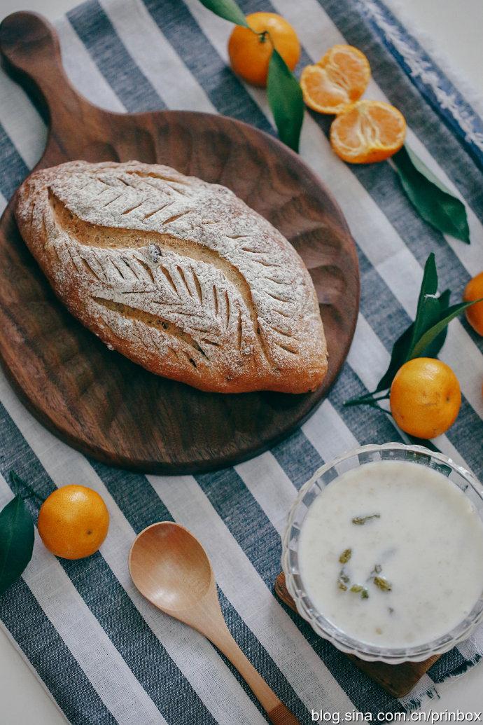 【早餐°】2019-3-6:紅棗蜜紅豆軟歐面包/牛奶燕麥粥/春桔