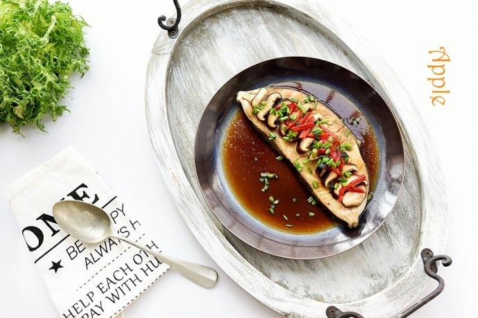 鲜上加香的香菇蒸鱼