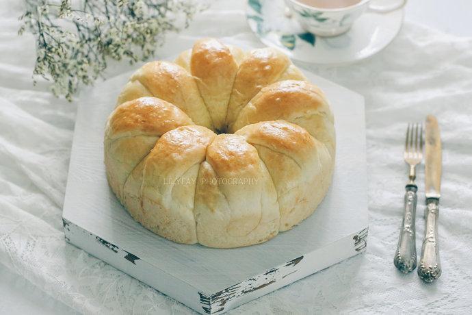 【早餐°】2019-4-5:皇冠花朵面包/奶茶