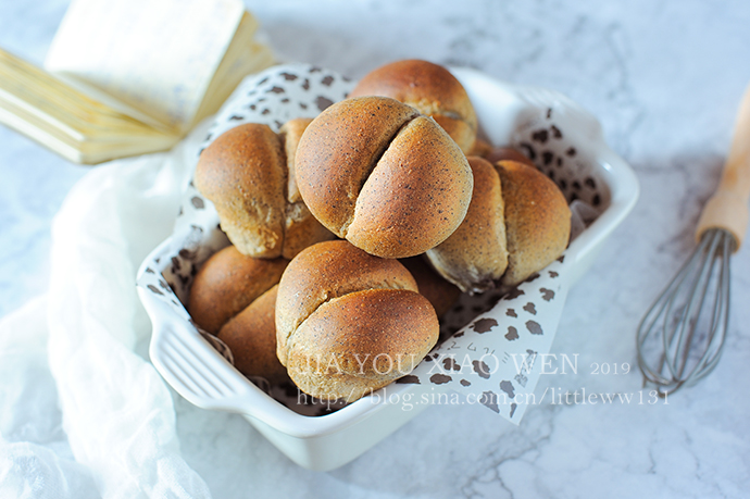 讨巧可爱又补钙的【黑芝麻果酱小面包】