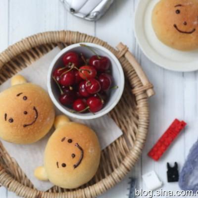 儿童节超萌的小熊面包