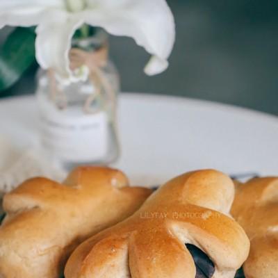 【早餐°】2019-7-22:肉桂红豆沙面包/贵妃芒/朗姆酒提子干冰淇淋