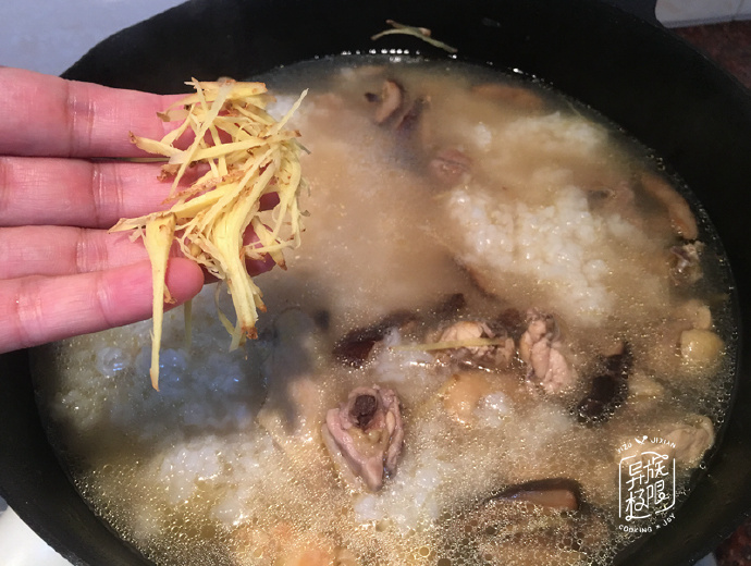 知名美食博主,煮一锅粥请客,只花20元,客人大呼好吃