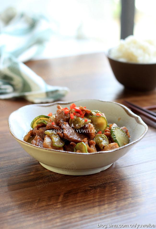 猪肉煸黄瓜,一看就懂,零难度的下饭菜,越翻炒越好吃
