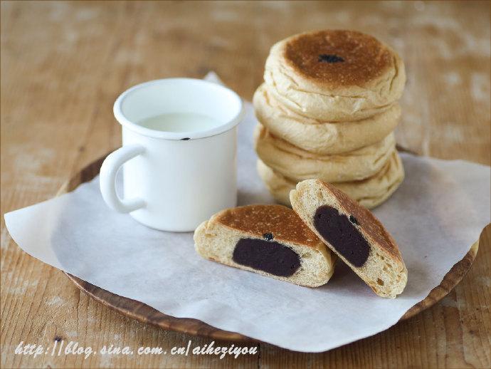 黑糖豆沙面包