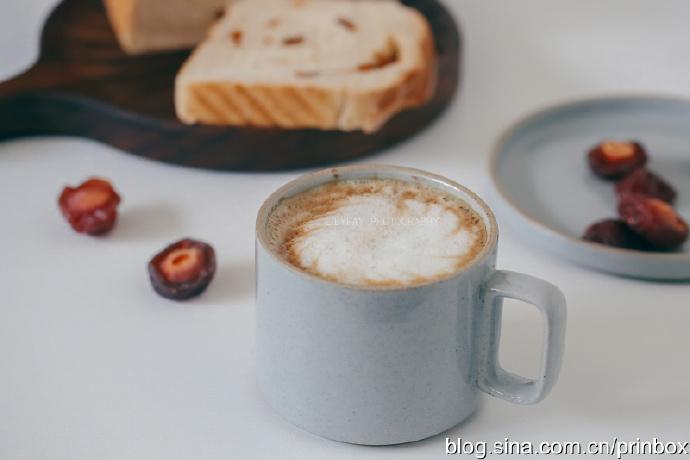 【早餐°】2019-9-10:纯奶无水花纹鸳鸯梅全麦吐司/卡布奇诺
