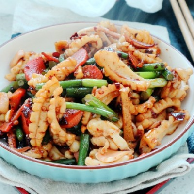 【香辣鱿鱼】老公最近就馋这道菜,简单一炒,比吃猪肉还过瘾