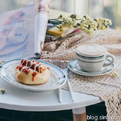 【早餐°】2019-11-22:PIZZA草沙拉醬腸仔包/卡布奇諾