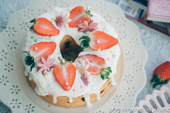 【早餐°】2019-11-25:奶油草莓豹纹戚风蛋糕/卡布奇诺